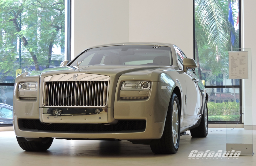 Thêm Rolls-Royce chính hãng về Việt Nam, giá gần 19 tỷ đồng