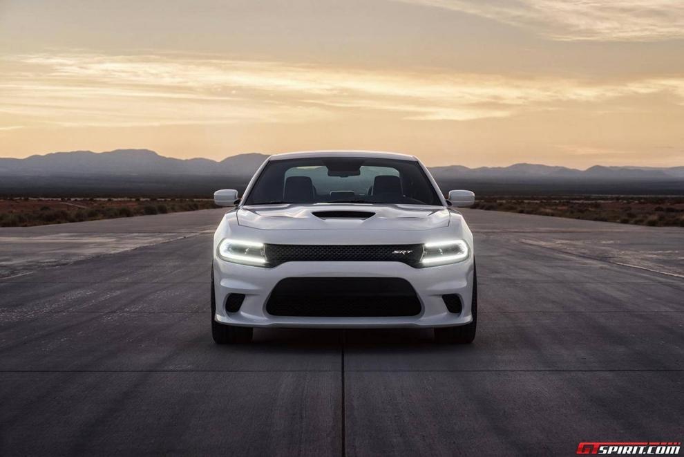 Sedan mạnh nhất thế giới chốt giá từ 1,4 tỷ đồng