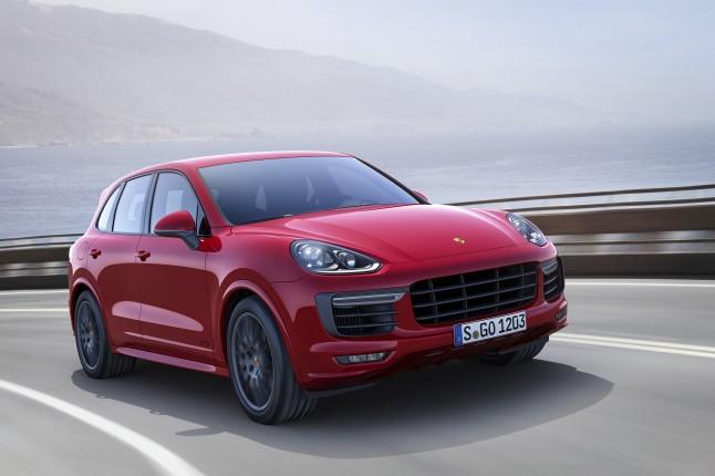 Porsche trình làng Cayenne GTS 2015 trước thềm LA Auto Show