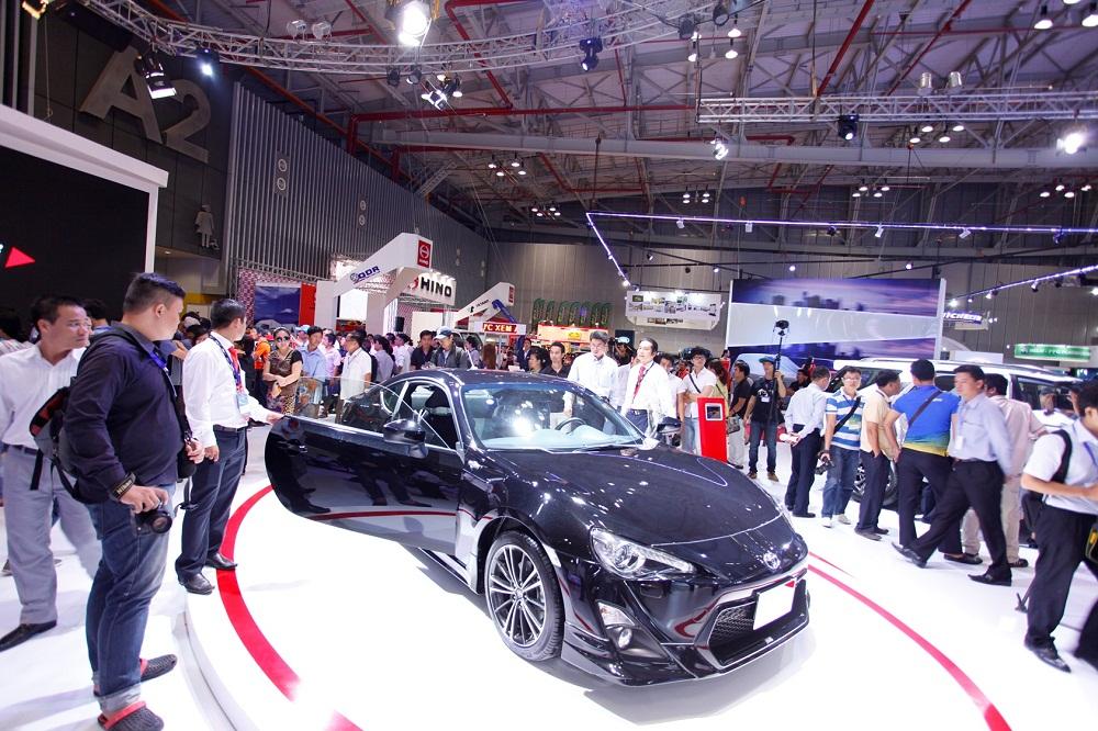 Tháng 10, người Việt tiêu thụ 14.938 xe ô tô
