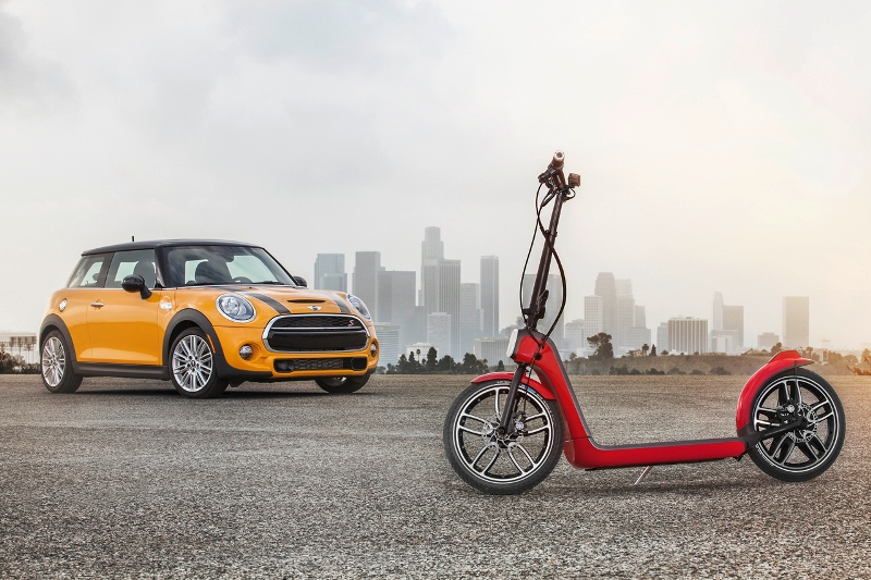 MINI đem xe... tay ga mini đến LA Auto Show