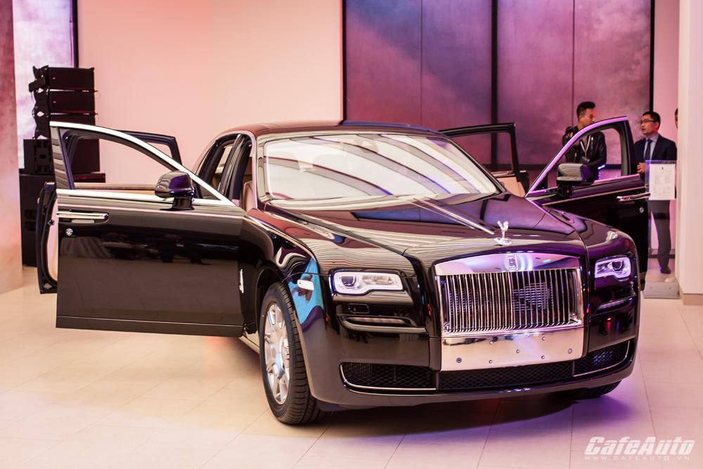 Cân cảnh Rolls-Royce Ghost Series II vừa ra mắt tại Việt Nam