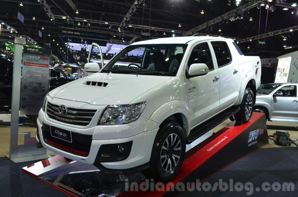 """Toyota Hilux Vigo """"ngầu"""" hơn với gói độ TRD Sportivo"""