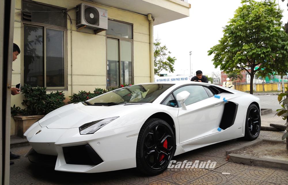 Cận cảnh cặp đôi Lamborghini chính hãng tại Việt Nam