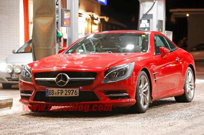 Mercedes-Benz SL 2016 lộ diện trên phố