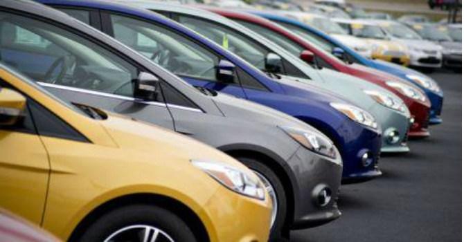 """Xe từ ASEAN ùa vào, """"nước cờ"""" nào cho công nghiệp ô tô Việt?"""