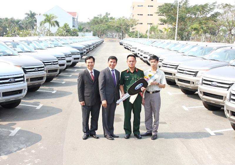 Ford bàn giao 120 xe Ford Ranger XLT cho tập đoàn Viettel