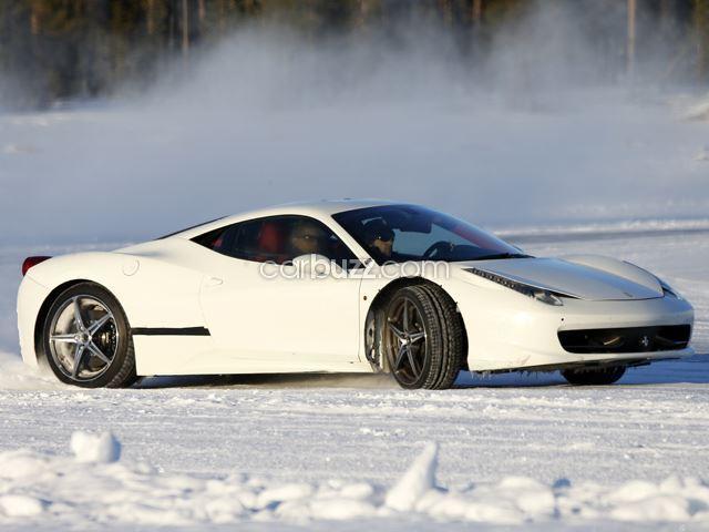 """Siêu xe mới của Ferrari """"gây sốt"""" trước khi ra mắt"""