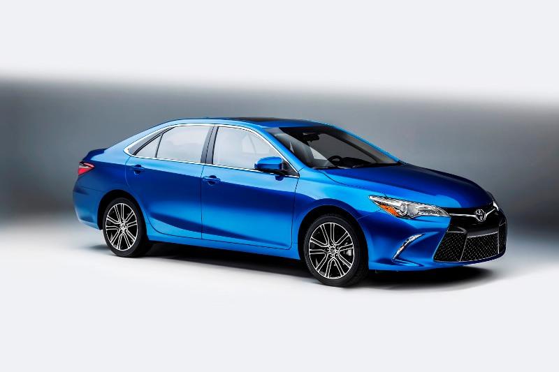 Toyota giới thiệu cặp đôi Camry và Corolla phiên bản đặc biệt