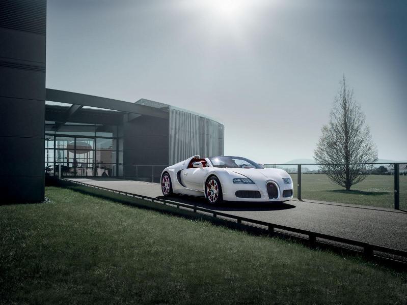 Chiếc Bugatti cuối cùng sẽ đến Geneva Motor Show 2015