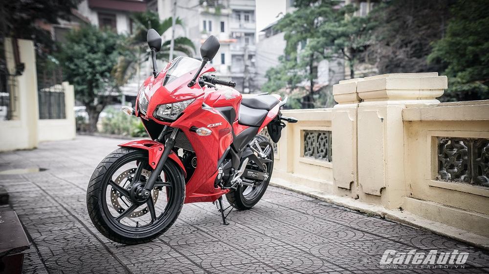 Mục sở thị Honda CBR300R 2015 giá 12.000 USD tại Hà Nội