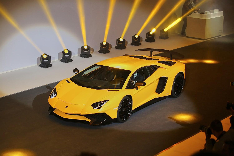 Lamborghini chính thức giới thiệu Aventador LP 750-4SV