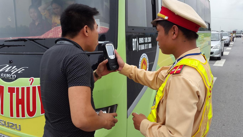 Bộ trưởng Đinh La Thăng: Kiến nghị cho phép tịch thu ô tô