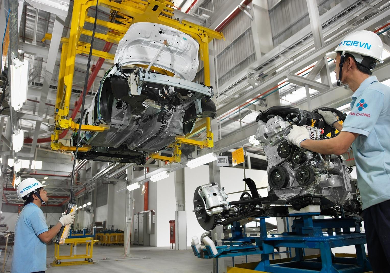 Công nghiệp ôtô Việt Nam: Không có mợ, chợ vẫn đông