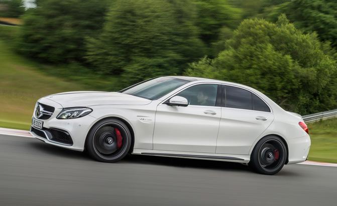 Những mẫu Sedan có khả năng tăng tốc nhanh nhất