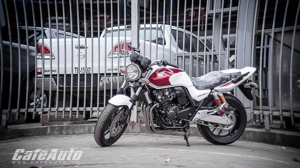 Cận cảnh Honda CB400 Super Four 2015 giá trên 300 triệu tại Việt Nam