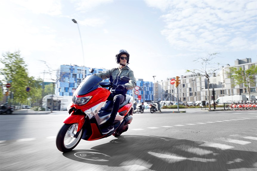 Yamaha NMAX 125: Tay ga tiết kiệm nhiên liệu