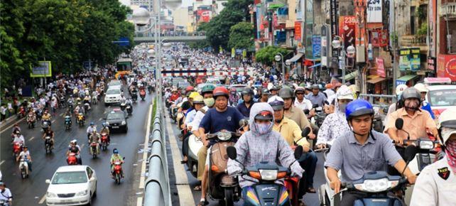 Bộ trưởng Thăng tranh luận với lãnh đạo TP HCM về phí xe máy