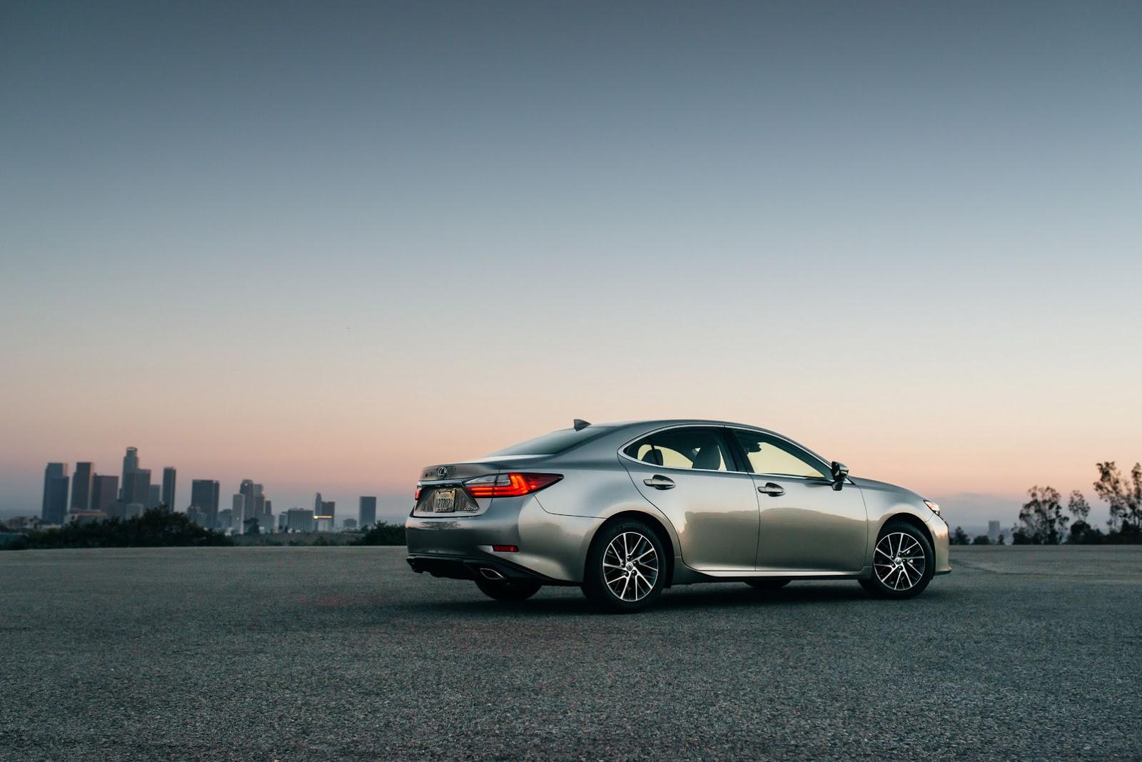 Lexus ra mắt ES 350 và ES 300h 2016 tại Mỹ