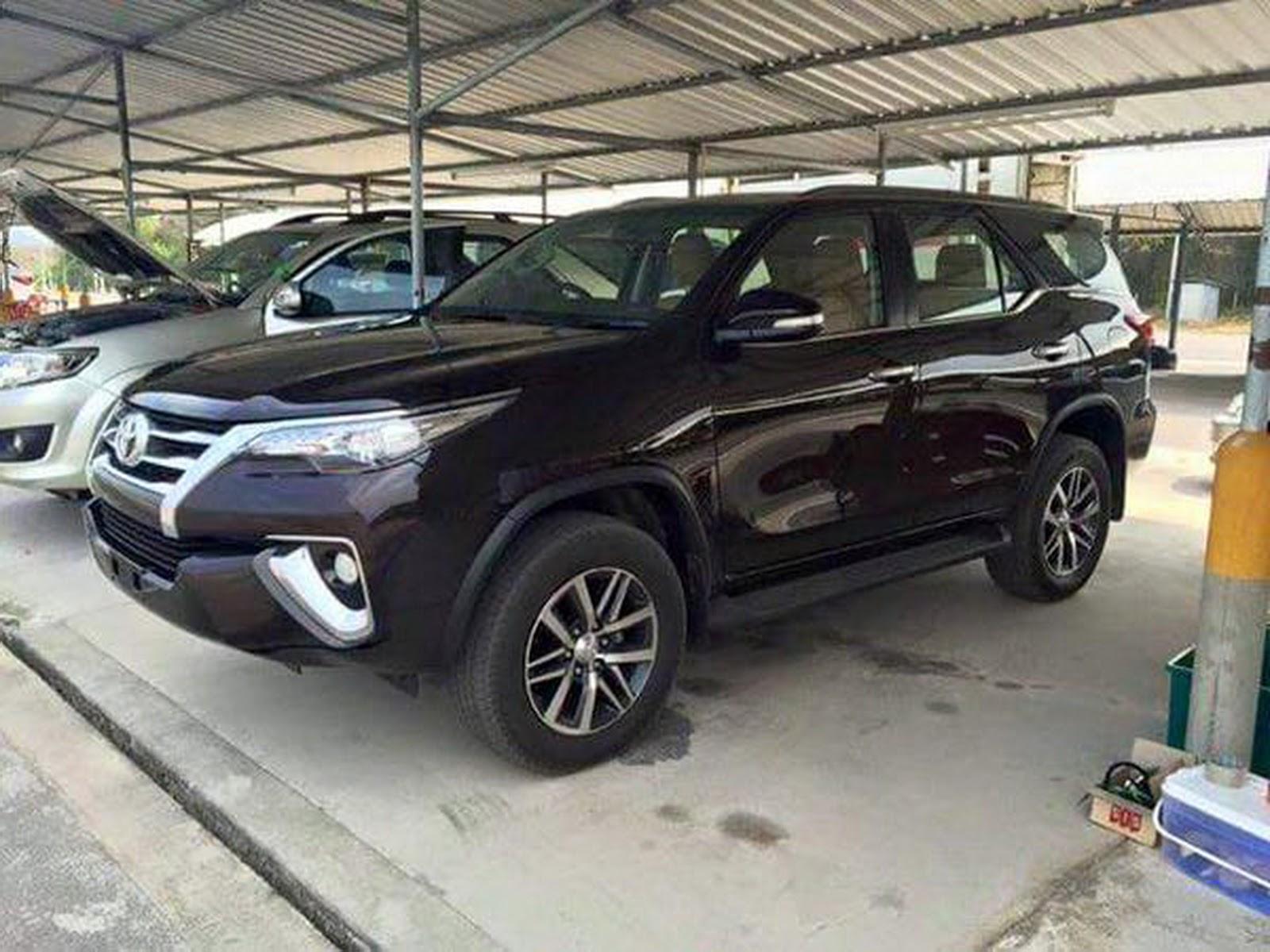 Lộ ảnh sống Toyota Fortuner 2016 không ngụy trang