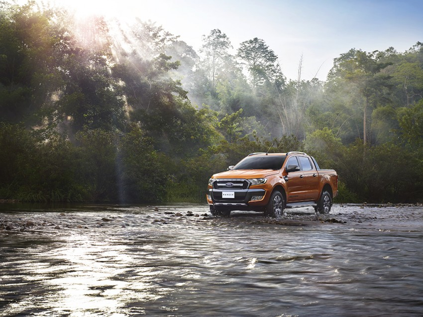 Ford tung quảng cáo khoe công nghệ trên Ranger 2015