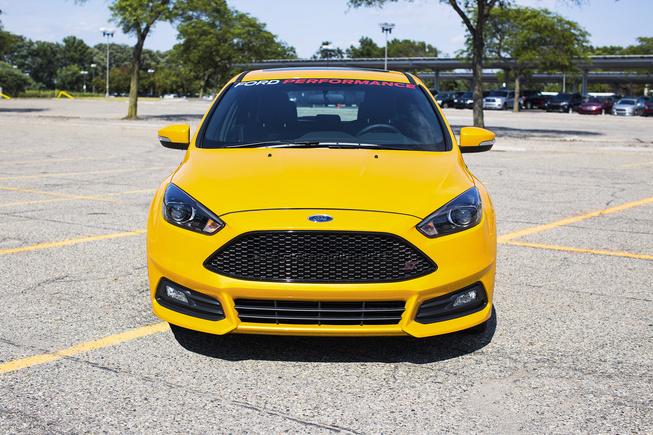 Ford Focus ST mạnh hơn với gói gia tăng hiệu suất