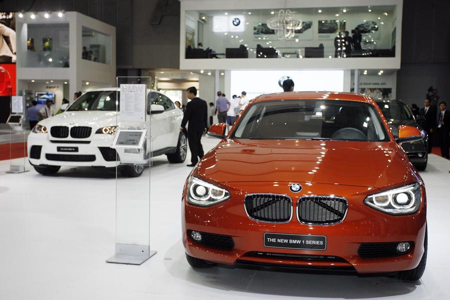 TP.HCM tăng phí đăng ký ô tô 5,5 lần từ 1/9