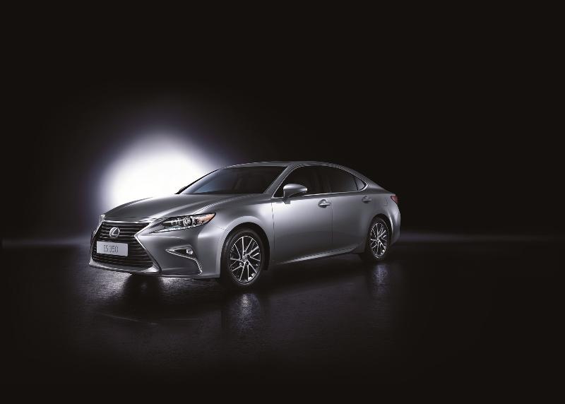 Lexus ES mới đã được bán ra, giá từ 2,187 tỷ đồng