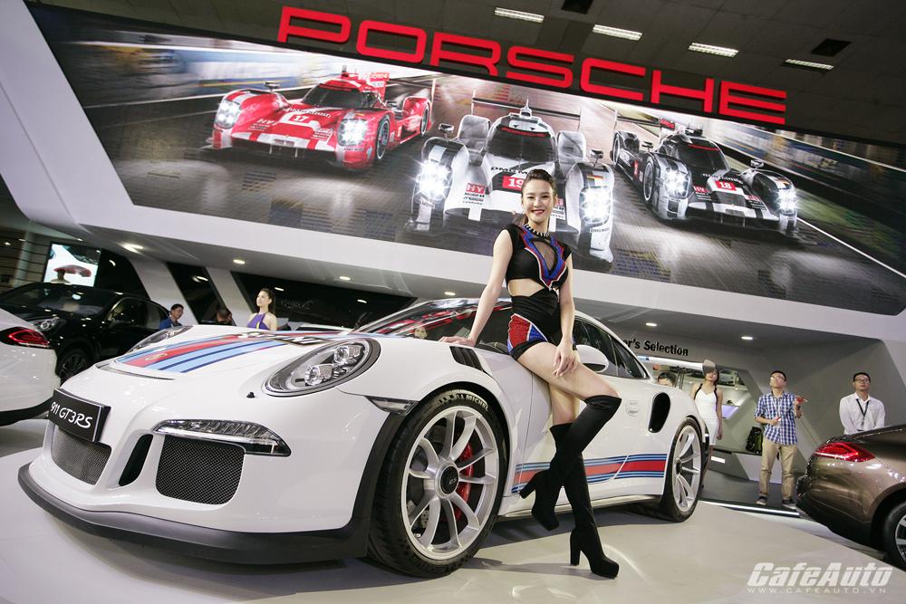 Ngắm siêu xe giá 11 tỷ đồng Porsche 911 GT3 R