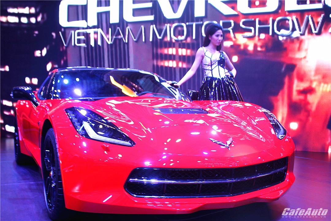 """GM Việt Nam gây bất ngờ bằng """"cơn lốc"""" Corvette Stingray"""