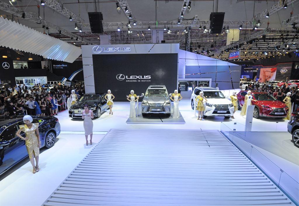 Ngắm 6 mẫu xe tiền tỷ của Lexus tại VMS 2015