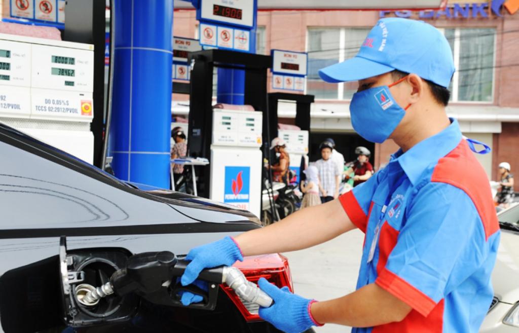 Xăng tiếp tục giảm 258 đồng/lít
