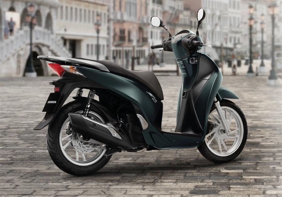 6 mẫu xe máy nhiều thị phi nhất Việt Nam 2015