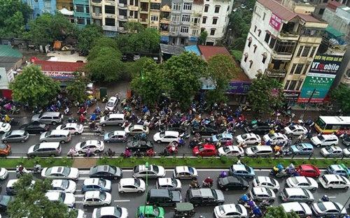 Hà Nội và Tp.HCM được lập đề án giảm xe trên đường