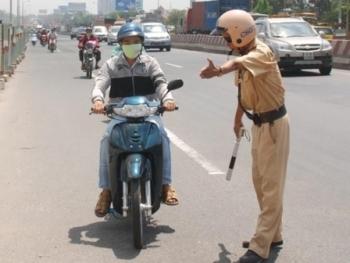 Các quyền mới của cảnh sát giao thông áp dụng từ 02/2016
