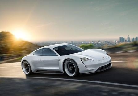 Porsche hướng mục tiêu phát triển các phiên bản hybrid