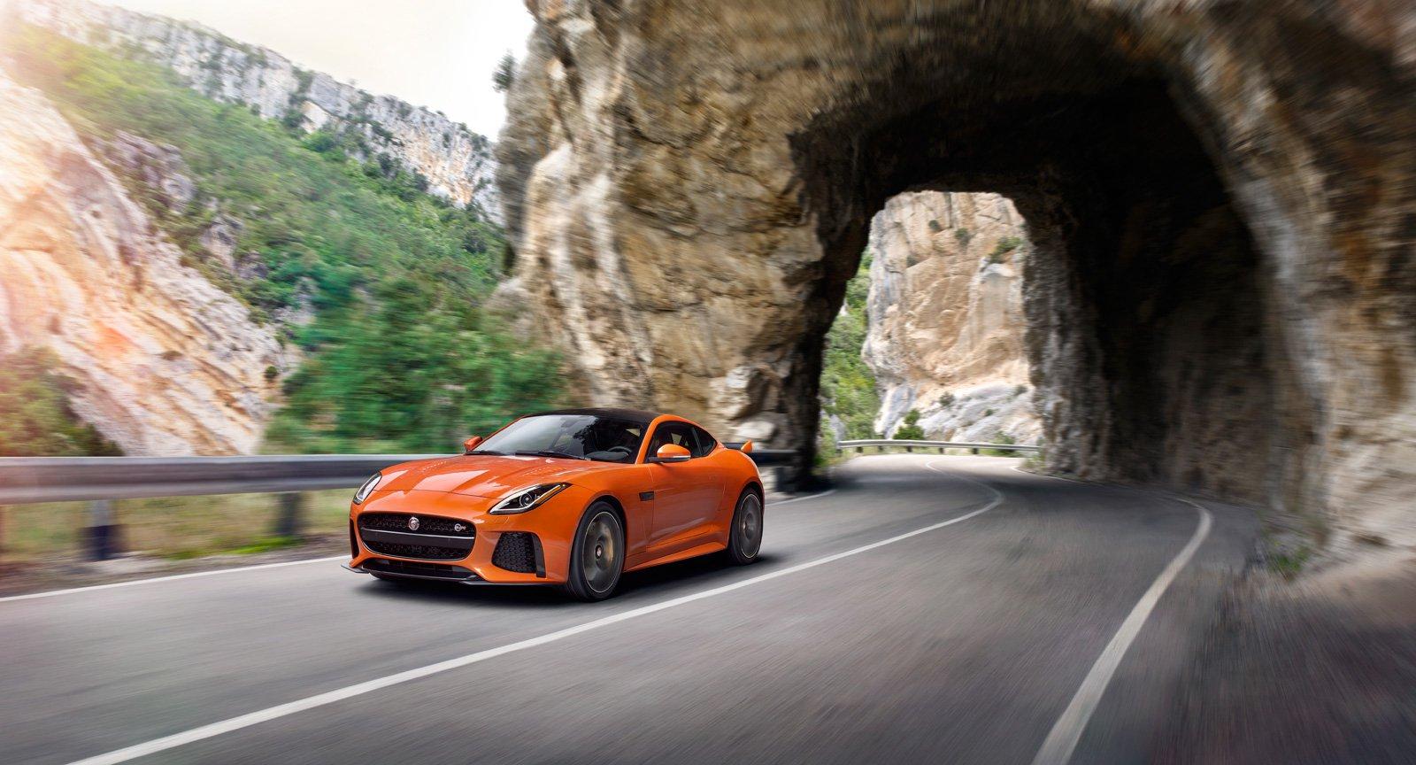 6 điều bạn có thể chưa biết về Jaguar F-Type SVR