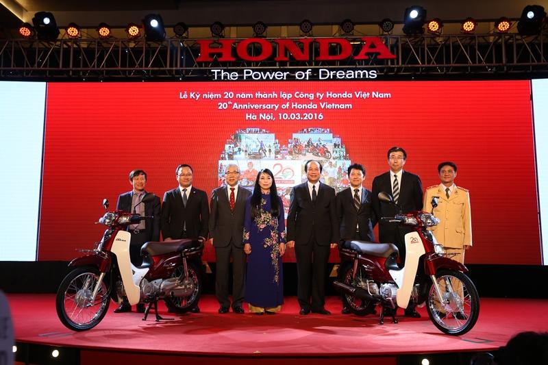 20 năm Honda Việt Nam cung cấp 20 triệu xe máy và 44.000 xe ô tô