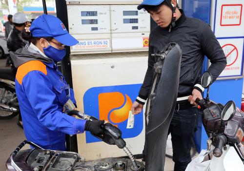 Giá xăng trước áp lực tăng mạnh