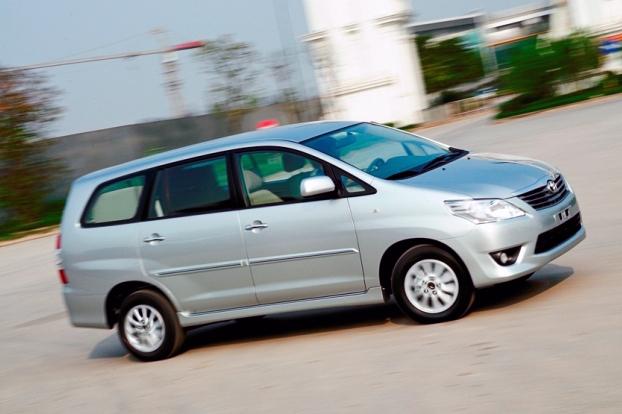 Toyota Việt Nam thu hồi hàng trăm xe Innova vì lỗi cửa sau