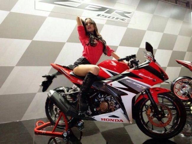 Honda CBR150R 2016 đầu tiên được nhập về Việt Nam