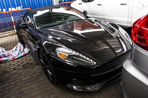 Aston Martin Vanquish mui trần đầu tiên ở Việt Nam