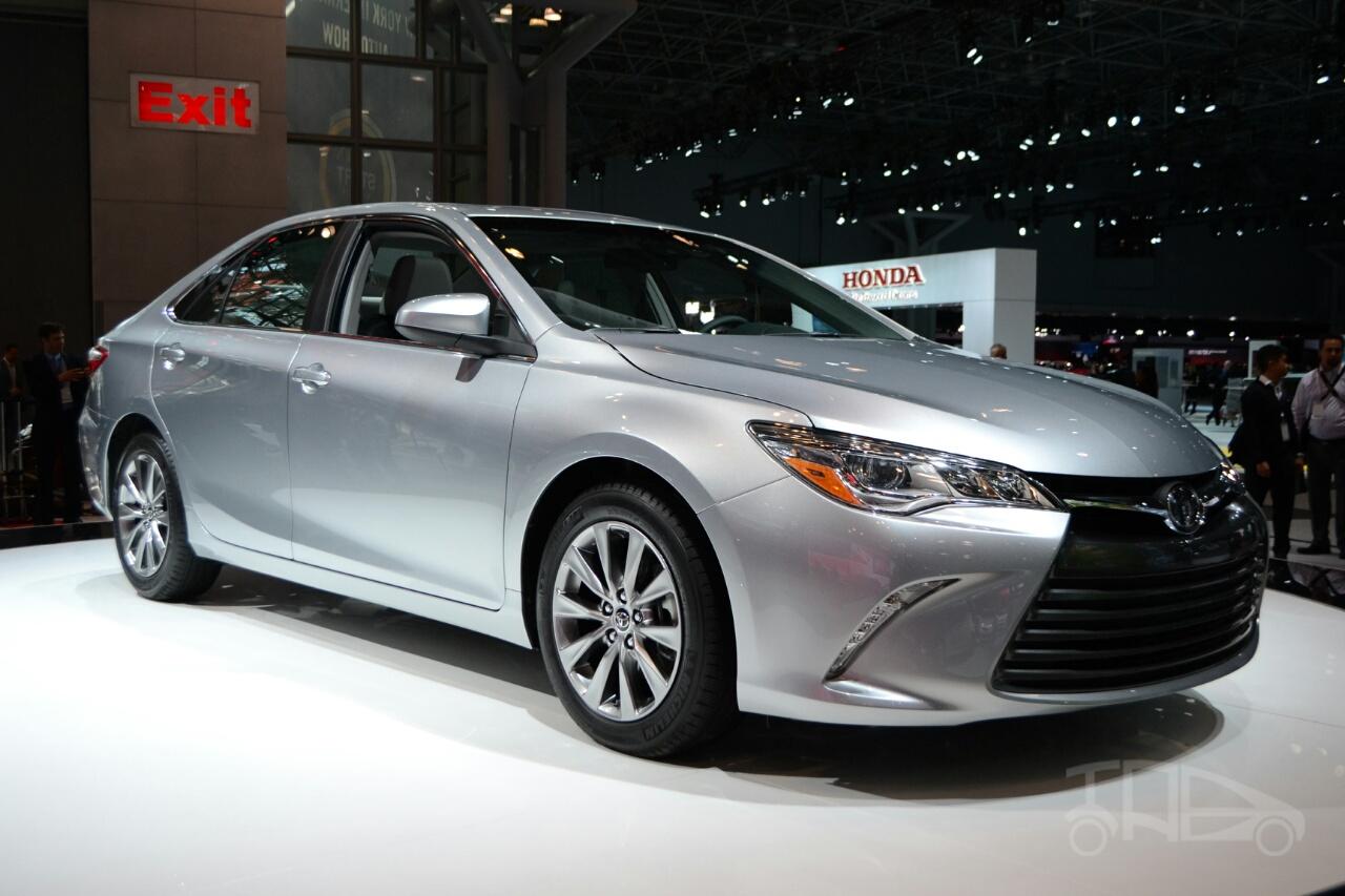 Toyota Camry thế hệ mới chạy thử nghiệm