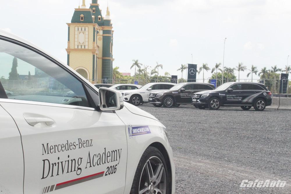 Mercedes-Benz khai mạc Học viện lái xe an toàn lần thứ 12