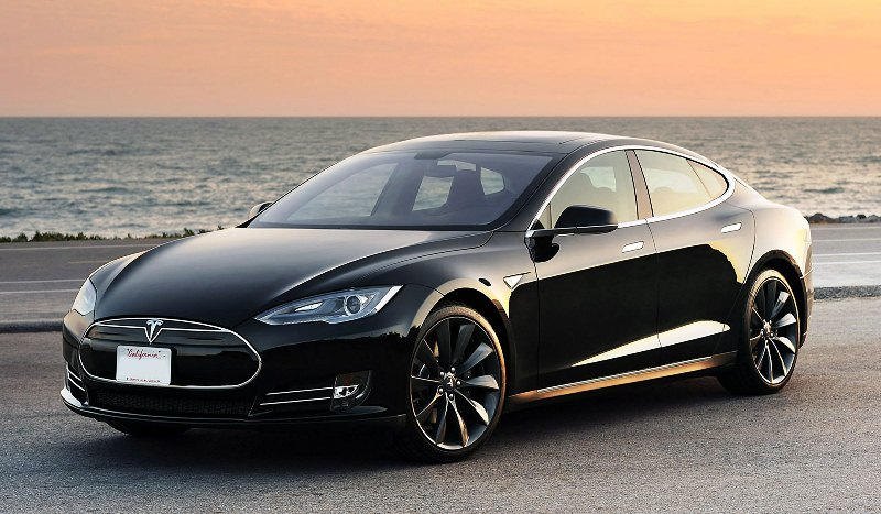 Tai nạn chết người của Tesla Model S 2015 có thể do lỗi hệ thống