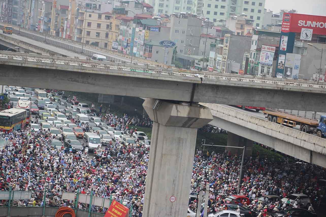 """Điểm nóng tuần tuần 3/9: Đề xuất """"cấm cửa"""" xe máy ngoại tỉnh ở Hà Nội"""