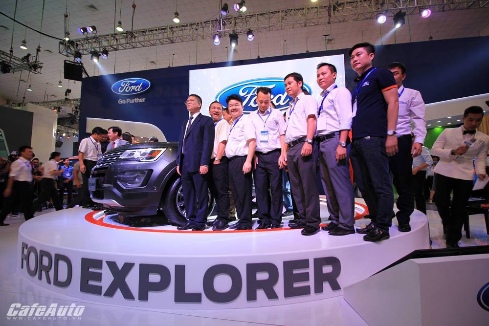 Ford Explorer 2017 ra mắt khách hàng Việt, giá từ 2,18 tỷ đồng