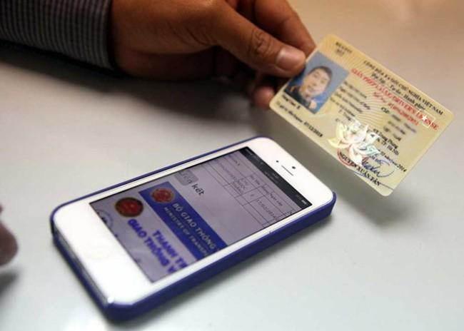 Bộ GTVT vẫn muốn chuyển đổi giấy phép lái xe sang PET