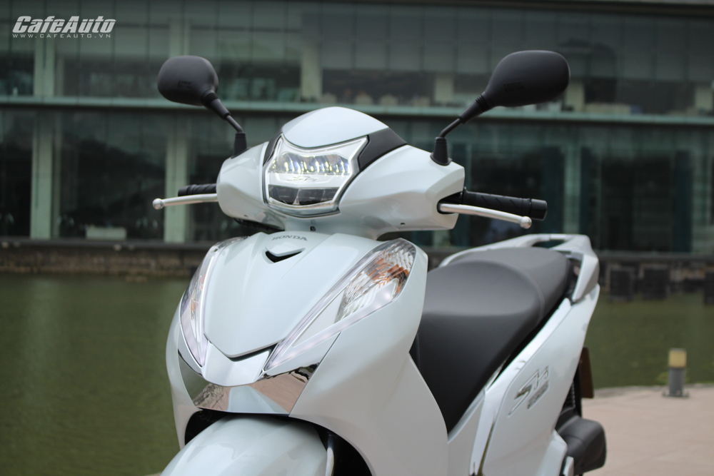 """Honda SH 300i mẫu xe tay ga """"đắt đỏ"""" nhất thị trường Việt có gì?"""