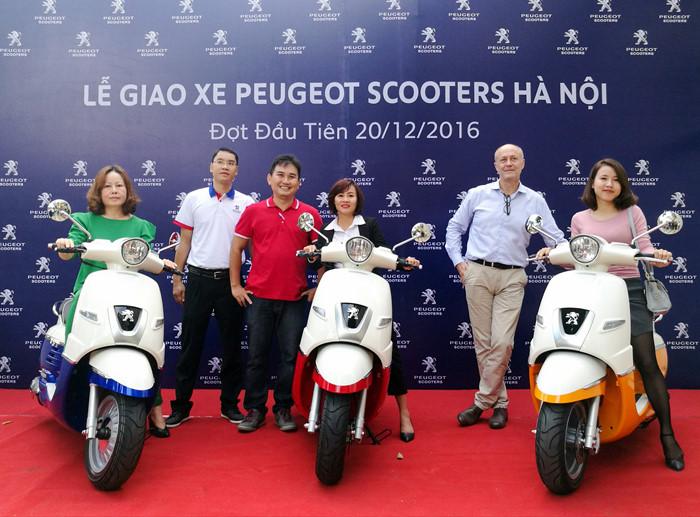 Xe tay ga Peugeot Django 125 đã đến tay khách hàng